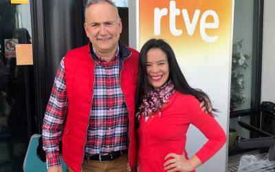 """Helen López en """"Comer de oído"""" RNE de Cantabria"""
