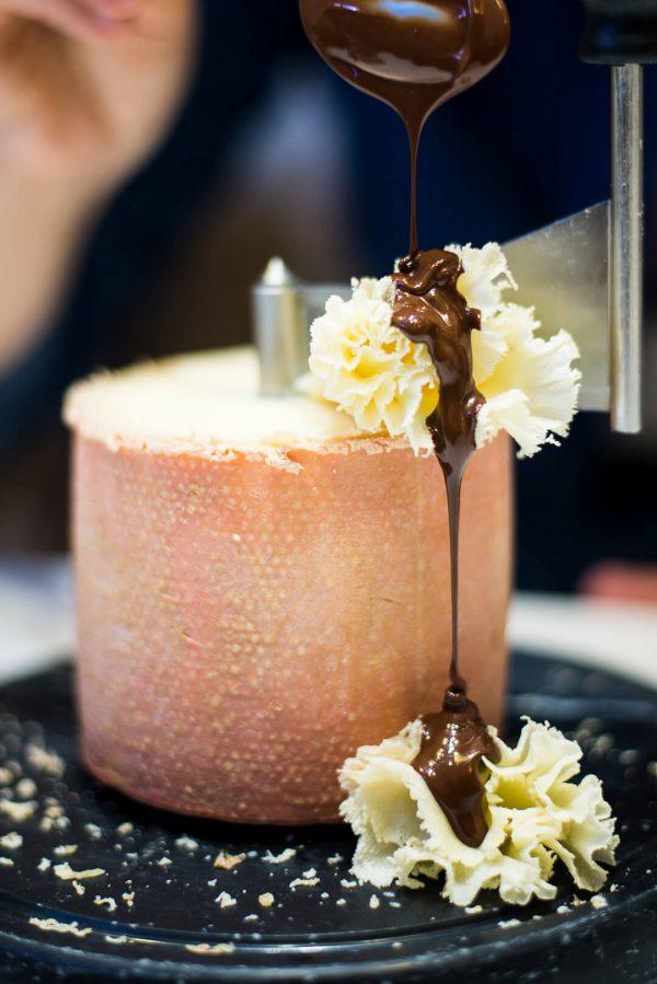 cata de chocolate y quesos